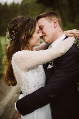 Emotionale Momente einer Hochzeit in München werden von Fotografin Nadja Morales festgehallten.