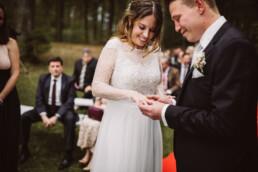 Nadja Morales fotografiert die Trauzeremonie einer Hochzeit in München.